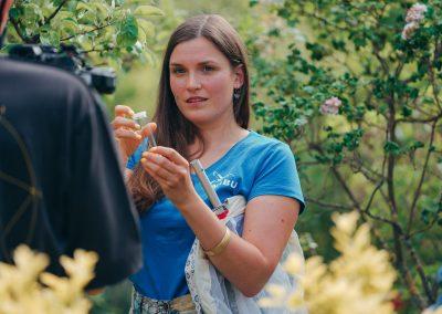 20_RuthMoschner_NABU_NANDINI_LauraBreitkreuz-Insektenexpertin-NABU